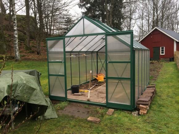Vårt växthus uppgraderas med nya features.