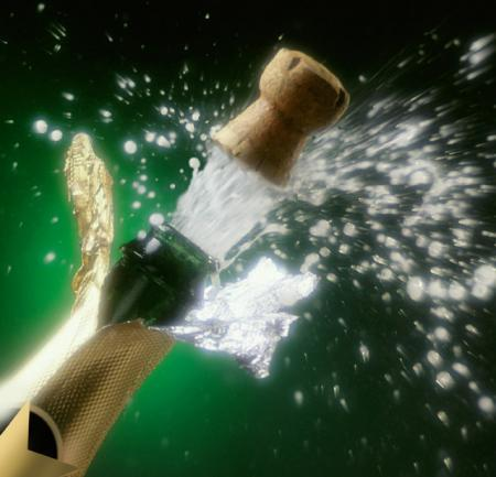 Medium_champagne_pop_1136067689_2